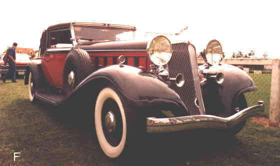 Imperial 1932, body by De Villars